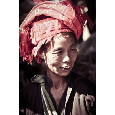 BIRMANIE - Femme au marché...