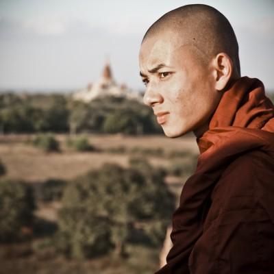 BIRMANIE - Moine bouddhiste...