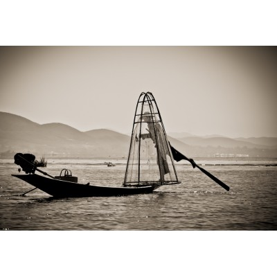 BIRMANIE - Pêcheur sur le...