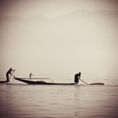 BIRMANIE - Pêcheurs sur le...